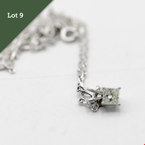 Lot 9 18CT WHITE GOLD PRINCESS CUT DIAMOND PENDANT ON CHAIN RRP £1500.00
