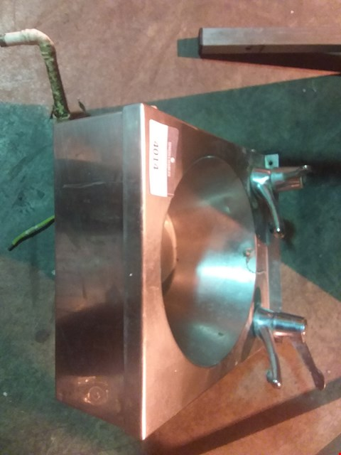 Lot 4014 SWAN STAINLESS STEEL 2 TAP UNIT AND OTHER 2 TAP UNIT