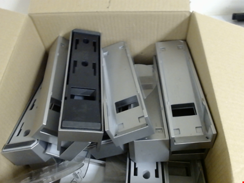Lot 7767 QUANTITY OF APPROXIMATELY 28 WII CONSOLE STANDS