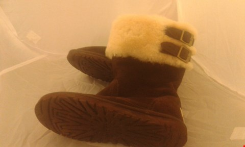 Lot 2096 PAIR OF UGG BOOTS SIZE UNSPECIFIED