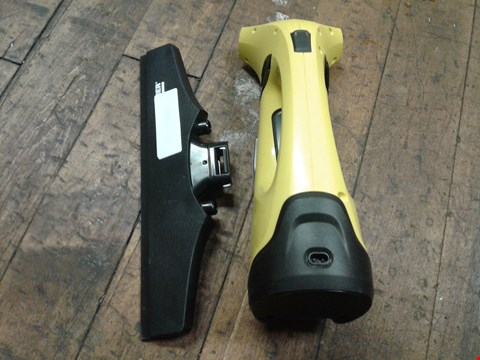 Lot 3935 KARCHER WV2 PLUS WINDOW VAC