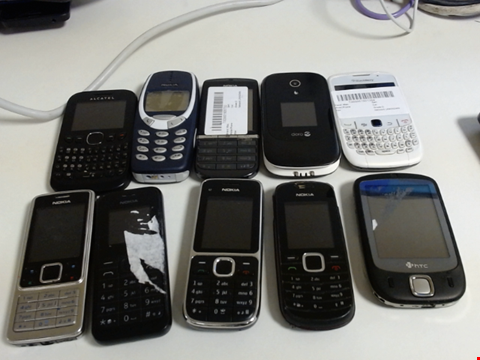 Lot 5113 LOT OF 10 ASSORTED MOBILE PHONES AND SMARTPHONES ETC