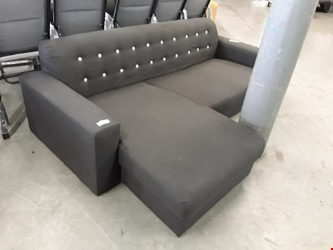Lot 148 DESIGNER CHARCOAL FABRIC CHAISE SOFA WITH CONTRAST BUTTON BACK DETAIL