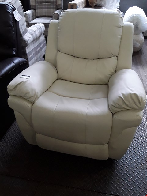Lot 81 DESIGNER CREAM LEATHER MANUAL RECLINING EASY CHAIR RRP £350