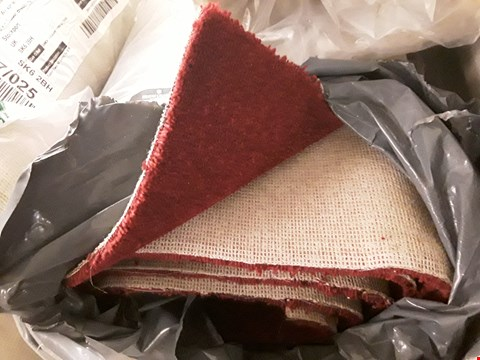 Lot 3017 ROLL OF TUDOR TWIST RED CARPET (SIZE UNSPECIFIED)