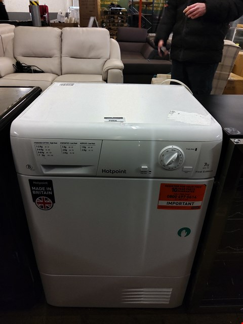 Lot 7066 HOTPOINT FETC70BP WHITE AQUARIUS 7KG CONDENSER DRYER  RRP £310.00