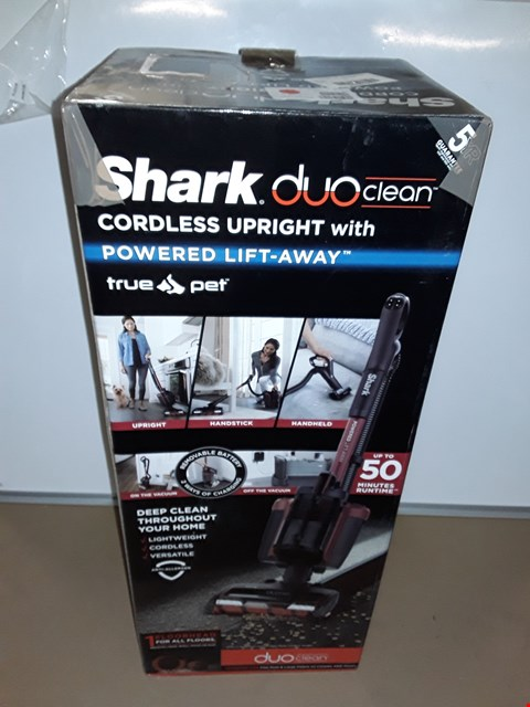 Lot 8087 SHARK DUOCLEAN POWERED LIFT-AWAY TRUE PET CORDLESS VACUUM CLEANER IC160UKT