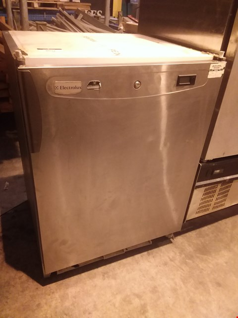 Lot 4032 ELECTROLUX RUCR16X1G UNDERCOUNTER REFRIGERATED UNIT