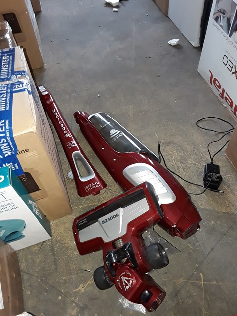 Lot 909 HOOVER UNPLUGGED 32.4V LITHIUM VACUUM