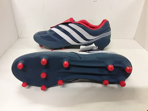 Lot 4039 PAIR OF DESIGNER FOOTBALL BOOTS IN THE STYLE OF ADIDAS PREDATOR PRECISION SIZE UK 9