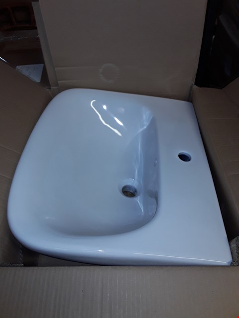 Lot 89 BOXED WHITE CERAMIC ONE TAP SEATTLE BASIN