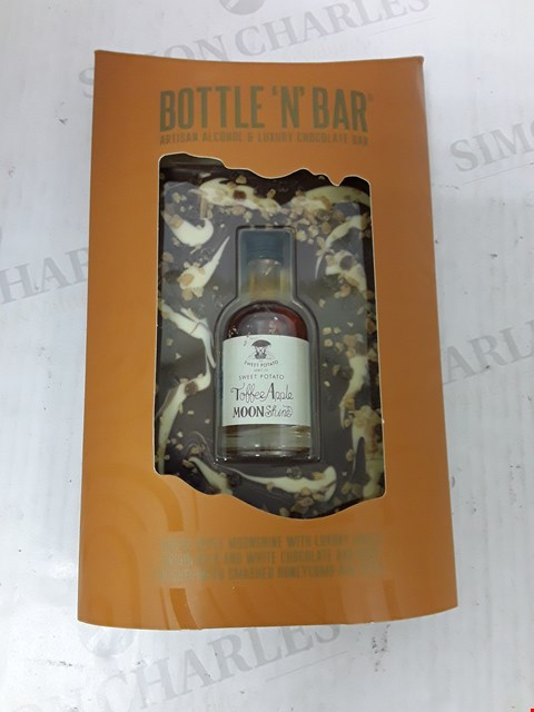 Lot 9034 BOTTLE 'N' BAR WITH TOFFEE APPLE MOONSHINE  RRP £14.99