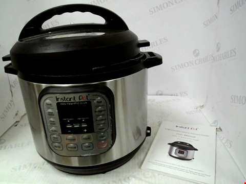 Lot 11019 INSTANT POT 7 IN 1 PRESSURE COOKER