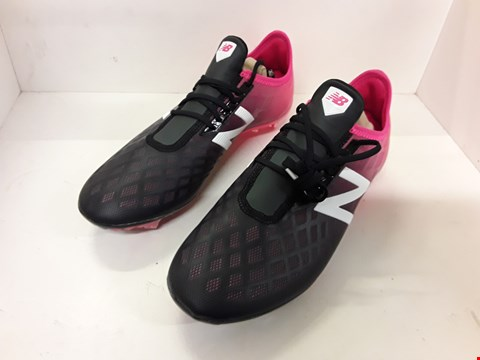 Lot 4143 PAIR OF DESIGNER FOOTBALL BOOTS IN THE STYLE OF NEW BALANCE SIZE UK 8.5