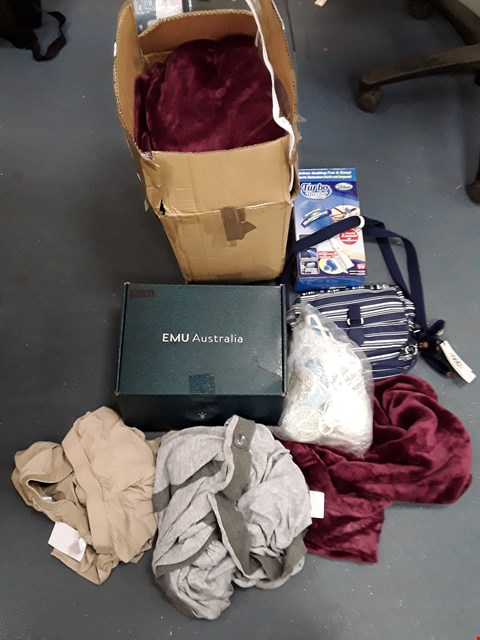 Lot 218 BOX OF APPROXIMATELY 8 ASSORTED HOUSEHOLD ITEMS TO INCLUDE KIPLING BAG, TURBO DUSTER, EMU AUSTRALIA FOOTWEAR ETC
