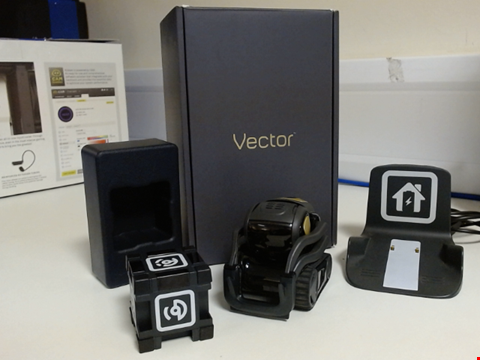Lot 15373 VECTOR ROBOT BY ANKI