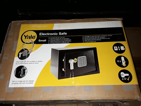 Lot 819 YALE ELECTRONIC SAFE SMALL