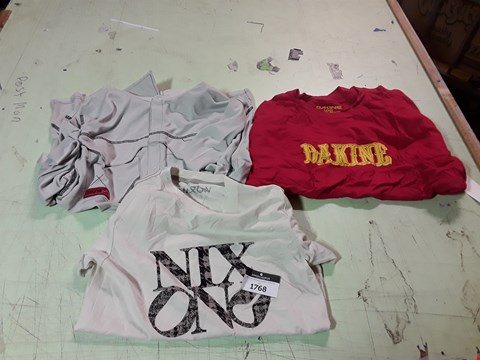 Lot 1768 LOT OF APPROXIMATELY 10 ASSORTED DESIGNER CLOTHING ITEMS TO INCLUDE A RED DAKINE PRINT T-SHIRT L, A GREY DAKINE BUTTON UP SHIRT, A NIXON PRINT T-SHIRT ETC