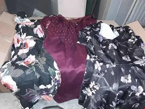 Lot 329 BOX OF APPROXIMATELY 20 ASSORTED CLOTHING ITEMS TO INCLUDE BLACK/PURPLE SCUBA SWEETHEART DRESS, FLORAL PRINT TEA DRESS AND MAROON PENCIL DRESS
