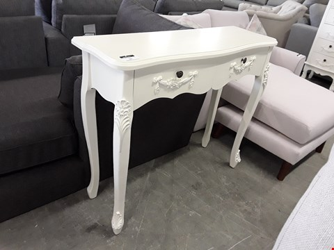 Lot 39 DESIGNER WHITE FINISH ORNATE STYLE 2 DRAWER CONSOLE TABLE