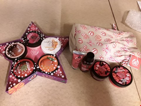 Lot 2051 LOT OF 2 THE BODY SHOP GIFT SETS TO INCLUDE BODY BUTTER STARS OF THE FOREST AND BERRY BON BON