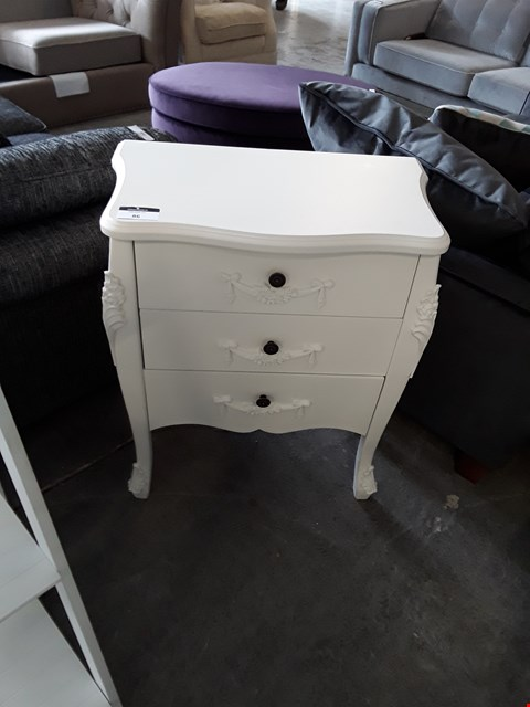 Lot 86 DESIGNER WHITE FINISH ORNATE STYLE 3 DRAWER BEDSIDE CHEST