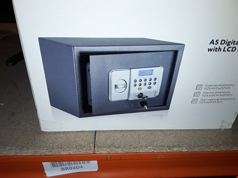 Lot 21 A5 DIGITAL SAFE WITH LCD DISPLAY