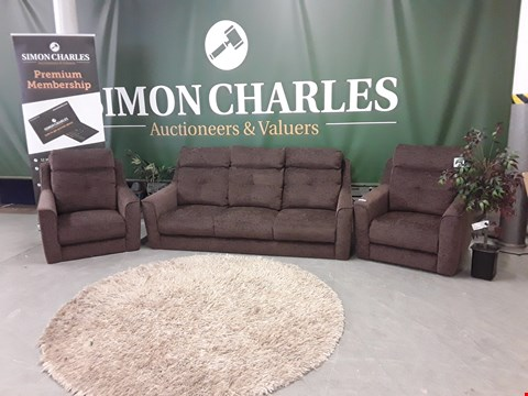 Lot 3024 QUALITY BRITISH MADE, HARDWOOD FRAMED BROWN FABRIC RETRO STYLE 3 SEATER SOFA AND TWO ARMCHAIRS