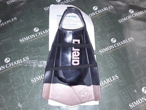 Lot 1272 ARENA POWERFIN PRO SWIMMING FLIPPERS
