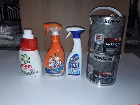 Lot 197 LOT OF 5 ASSORTED LIQUID ITEMS TO INCLUDE RONSEAL DECKING STAIN STONE GREY, ARIEL LAUNDRY CLEANER, MR MUSCLE