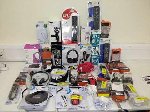 Lot 9679 LOT OF APPROXIMATELY 40 ASSORTED ELECTRONIC ITEMS TO INCLUDE PREMIUM SHAVER, MIXX AUDIO OX1 FOLDABLE HEADPHONES AND BLACKWEB SYNC AND CHARGE CABLE