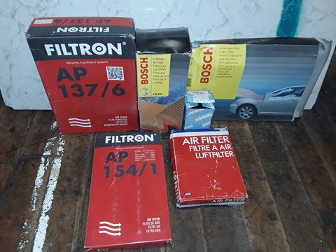 Lot 335 BOX OF ASSORTED CAR PARTS TO INCLUDE BOSCH AIR FILTER, UNIPART AIR FILTERS, FILTRON AIR FILTERS