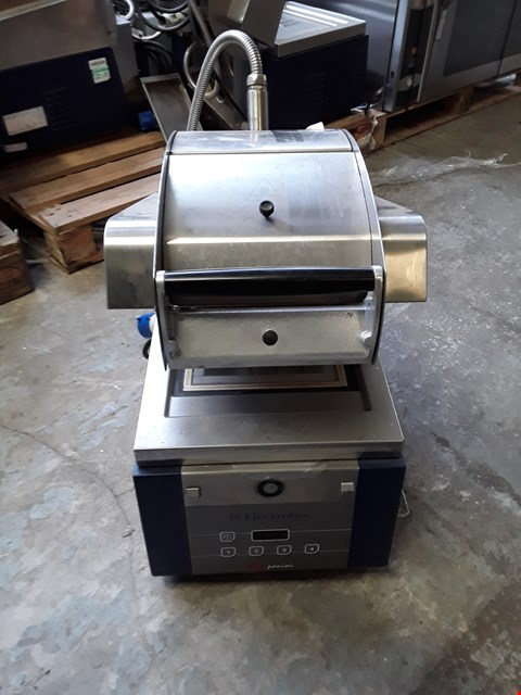 Lot 29 ELECTROLUX COMMERCIAL PANINI GRILL