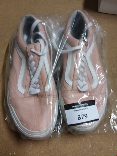 Lot 879 VANS OLD SKOOL LEATHER TRAINERS SIZE 7 - PINK