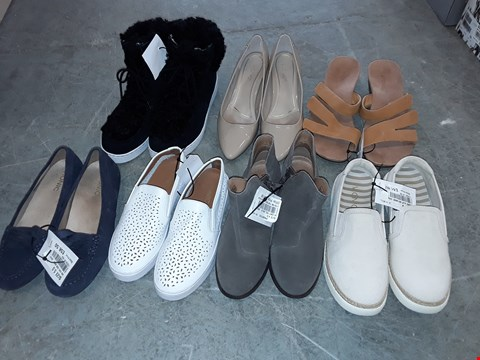 Lot 325 LARGE QUANTITY OF ASSORTED FOOTWEAR IN VARIOUS SIZE