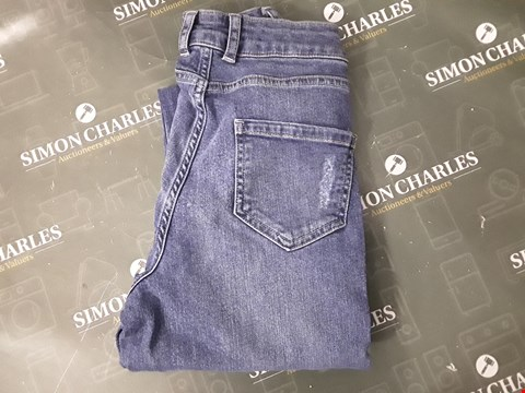 Lot 12223 DESIGNER BLUE JEANS-8 REGULAR