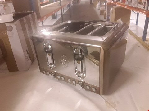 Lot 2028 SWAN COPPER SERIES 4 SLOT TOASTER