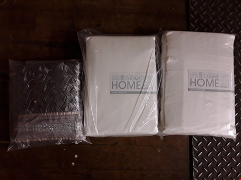 Lot 2348 LOT OF 3 ASSORTED GRADE 1 ITEMS TO INCLUDE 2 FRANCHESCA DUVET COVER SETS AND MIA BEDSHEETS SET  RRP £190