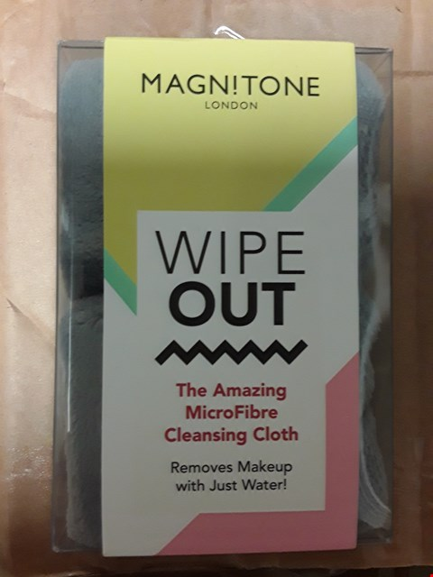 Lot 7088 BOX OF APPROXIMATELY 20 MAGN!TONE LONDON WIPE OUT CLOTHS (THE AMAZING MICROFIBRE CLEANSING CLOTH)