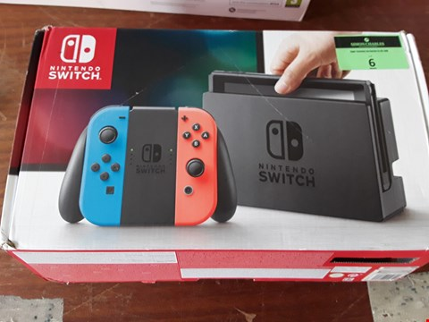 Lot 6 NINTENDO SWITCH NEON CONSOLE