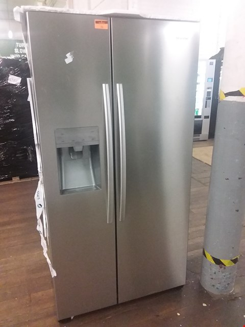 Lot 76 HISENCE SILVER AMERICAN STYLE FRIDGE FREEZER WITH WATER DISPENSER RS696N4II1