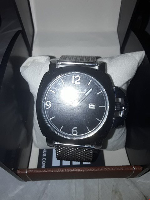 Lot 20 DESIGNER L A BANUS STAINLESS STEEL CROWN GUARD BLACK DIAL WITH DATE WINDOW, GENTS WRIST WATCH IN LEATHER BOX RRP £650