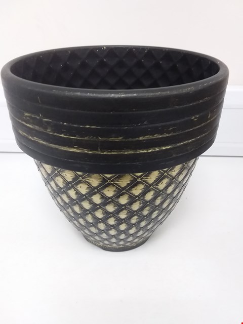 Lot 9064 PACK OF 6 X 11 INCH (27CM) PINECONE PLANTERS RRP £25.00