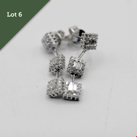 Lot 6 DESIGNER 18CT WHITE GOLD DROPPER EARRINGS SET WITH BRILLIANT AND BAGUETTE DIAMONDS WEIGHING +1.04CT RRP £3000.00
