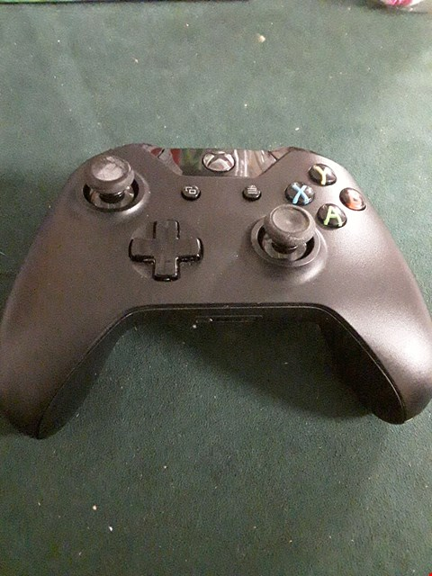Lot 18030 XBOX ONE WIRELESS CONTROLLER RRP £90.00