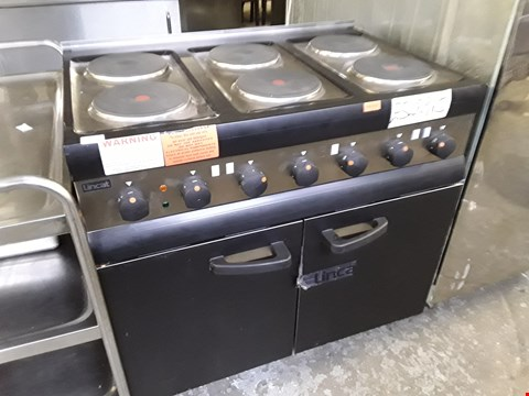 Lot 13 LINCAT 6 PLATE RANGE COOKER