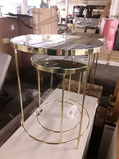 Lot 7031 DESIGNER MIRRORED NEST OF TWO TABLES
