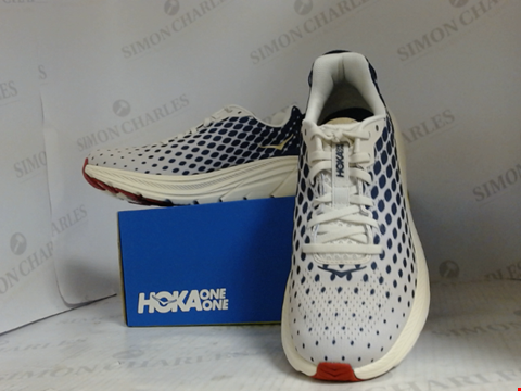 Lot 16007 BOXED PAIR OF DESIGNER HOKA ONE ONE TRAINERS - UK SIZE 7.5