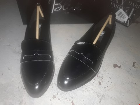Lot 2150 LOT OF 4 BRAND NEW BLINK LOAFERS BLACK AND BLACK/WHITE, SIZES 8 AND 4 RRP £40