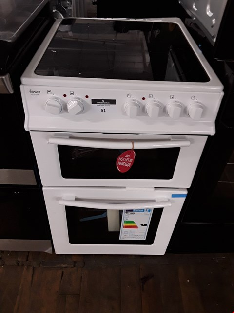 Lot 51 SWAN SX2021W WHITE DOUBLE ELECTRIC OVEN COOKER WITH CERAMIC HOB RRP £350.00